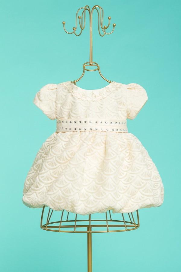 vestido bege de batizado