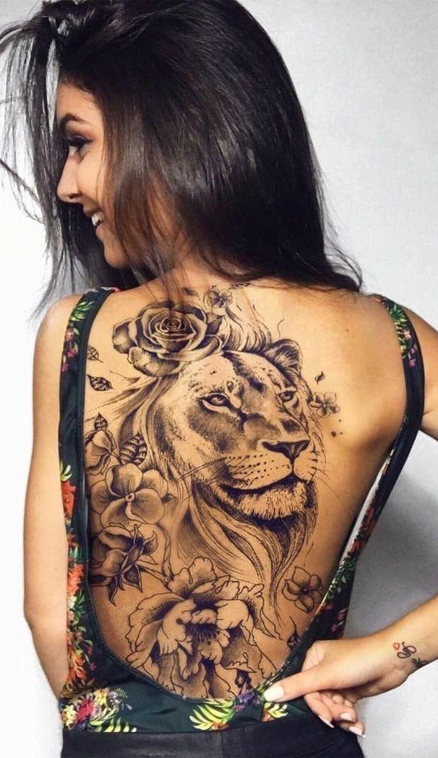 Tatuagem feminina de leão 2021 nas costas