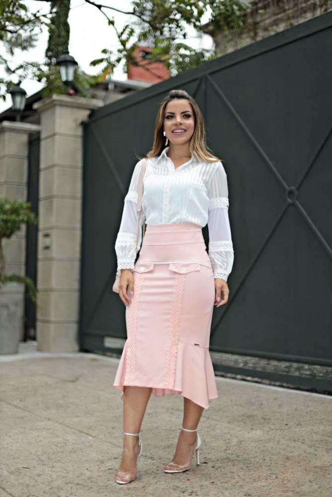 conjunto com saia midi rosa