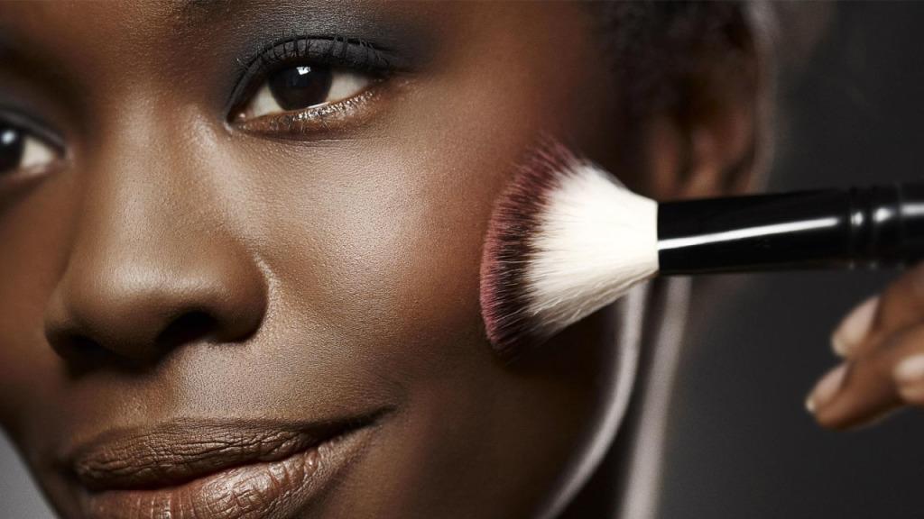 maquiagem para pele morena 2021