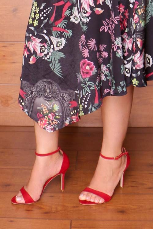 sapato de salto vermelho