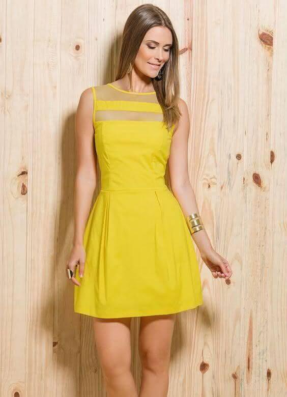 Vestido amarelo casual