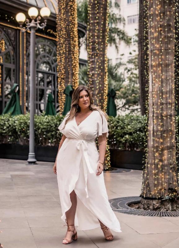 vestido branco transpassado