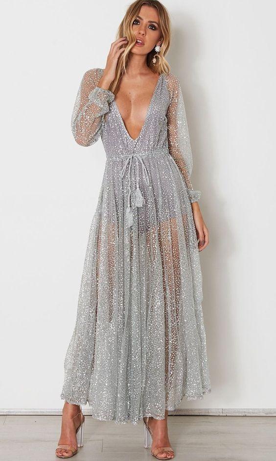 vestido com transparência prateado