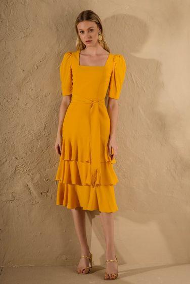 vestido midi tendências 2021