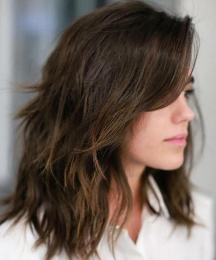 cabelo cortado tamanho médio