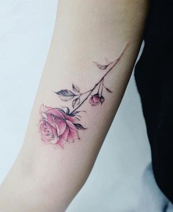 tatuagem de flor no braço