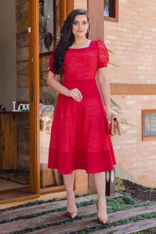 Vestido vermelho midi com renda