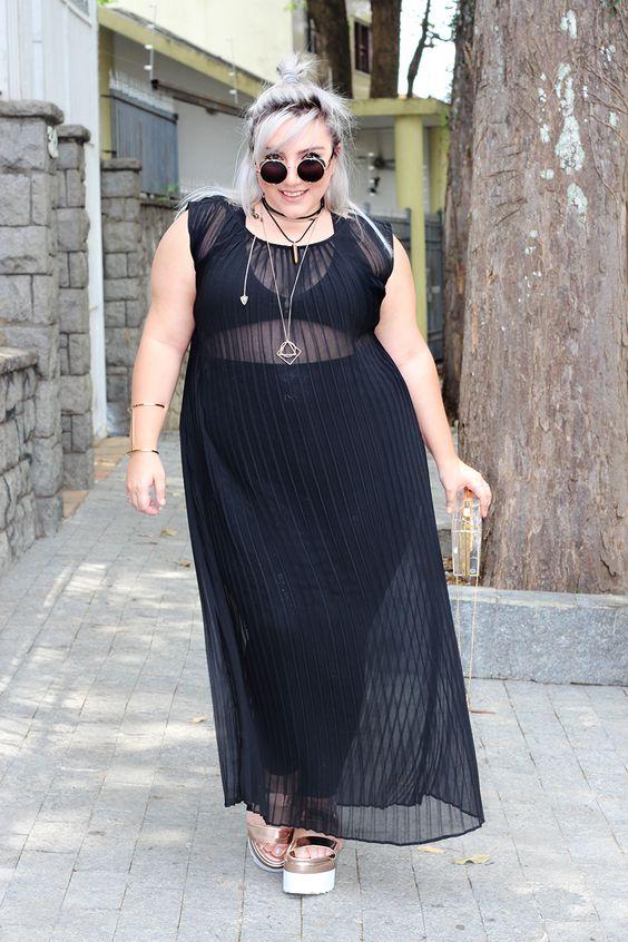 Vestido longo transparente para mulheres com curvas