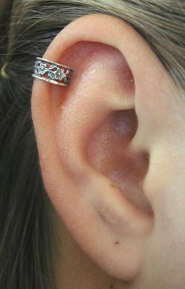 piercing na orelha helix