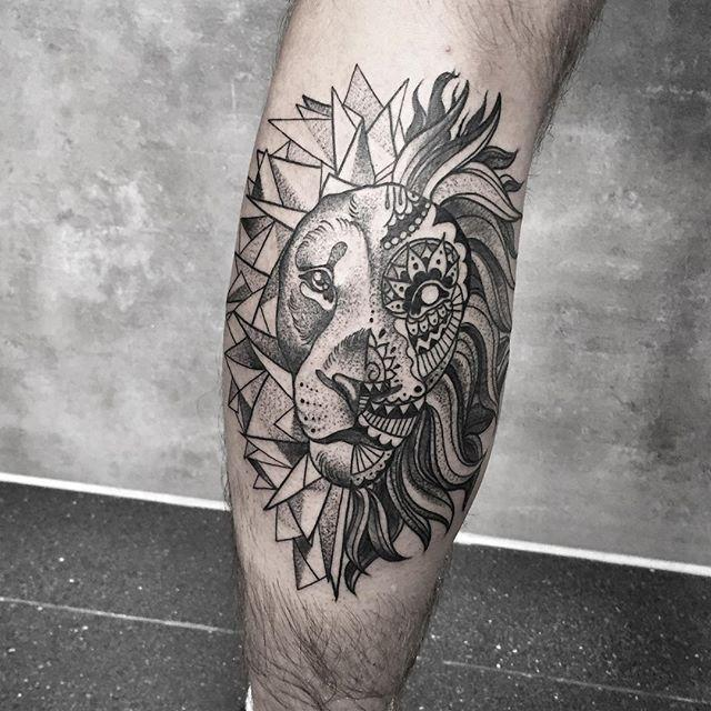 tatuagem de animal na perna